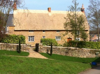 Long Straw Thatch in Badby, Northamptonshire